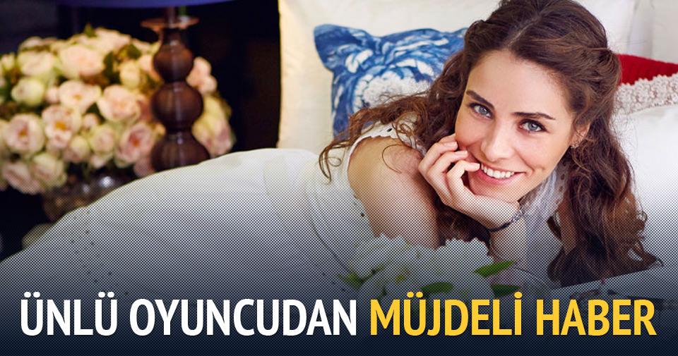 Nur Fettahoğlu bebeğini kucağına aldı