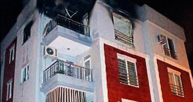 Annesine kızdı evi yaktı