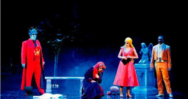 Faust 24 yıl sonra ilk kez sahnelendi