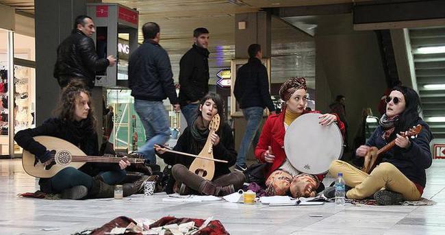 Üsküp'ün sokak müzisyenleri