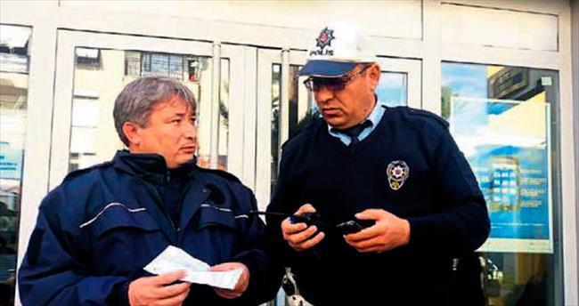 Dolandırcılara az kalsın 18 bin lirasını gönderiyordu