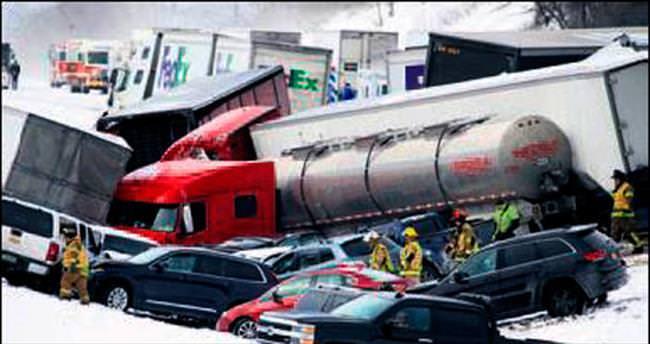 50 araçlı zincirleme kaza: 3 ölü, 40 yaralı