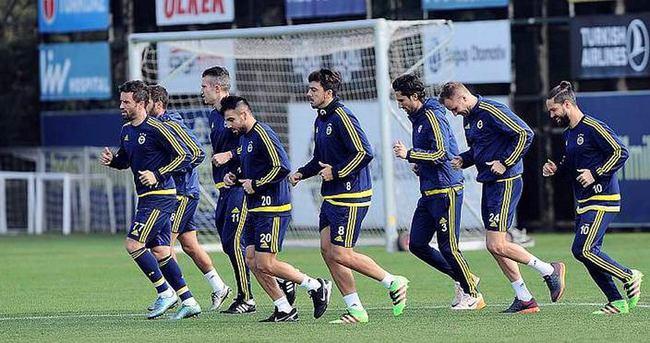 Fenerbahçeli futbolcuların hedefi tur