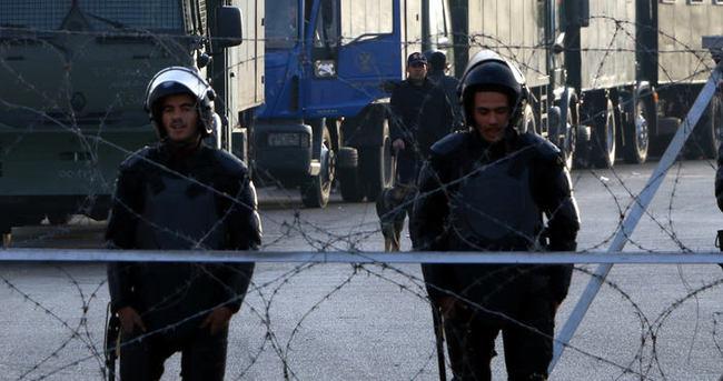Mısır'da Polis Akademisi öğrencilerine siyasi ihraç