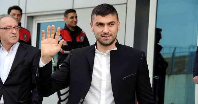Burak Yılmaz İstanbul'dan ayrıldı