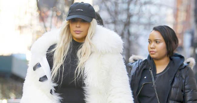 Kim kardashian'ın ayakkabıları şoke etti
