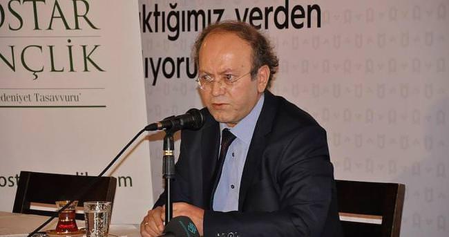 Türkiye'de en büyük cinayet Türkçenin katledilmesi oldu