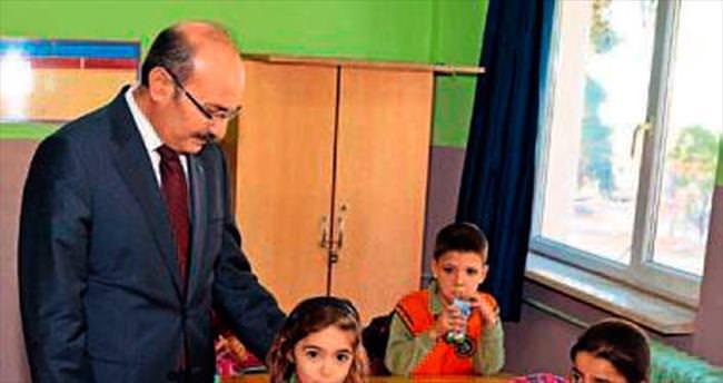 Burdur'da okul sütleri dağıtıldı