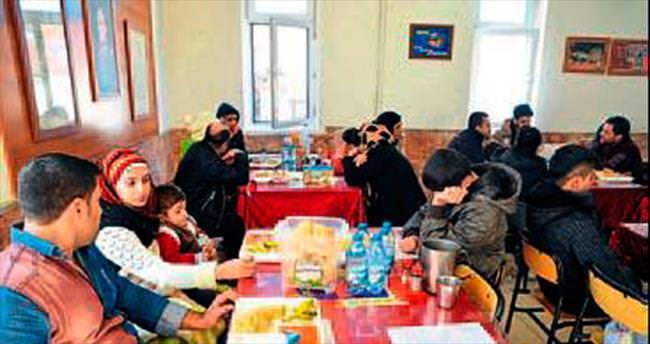 31 Suriyeli göçmen Elmalı'da yakalandı