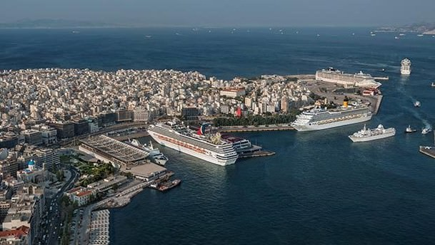Yunanistan'ın en büyük limanı Çinlilere satılacak