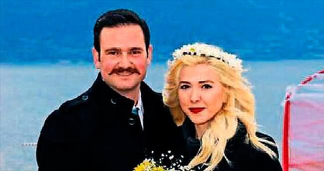 Göl kıyısında evlilik teklifi