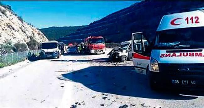 Otomobil TIR'a çarptı: 1 kişi öldü