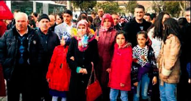 Sincan'da okul birincileri ve ailelerine Konya hediyesi