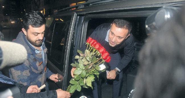 Çiçekçiden Mustafa Sandal'a sitem