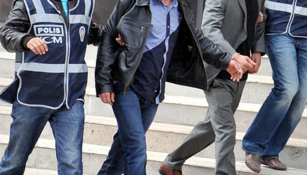 Manisa'da FETÖ operasyonu: 2 tutuklama