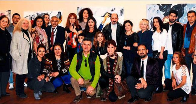 Ressam Manici'nin sergi heyecanı