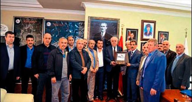 Türkmen köylerinden Seyfi Dingil'e teşekkür