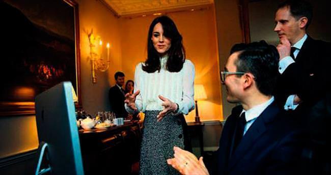 Gazeteci Kate bildiriyor!