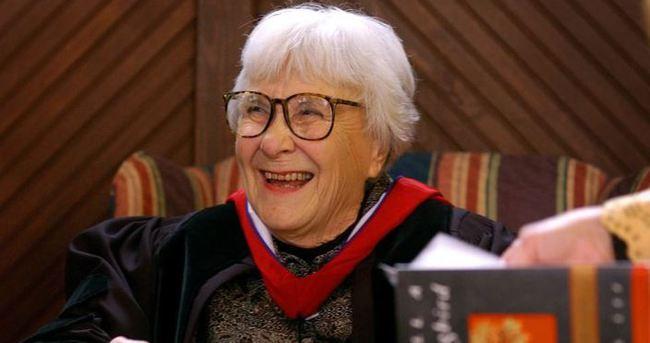 Ünlü yazar Harper Lee yaşamını yitirdi