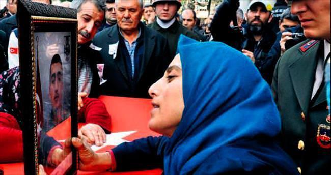 Türkçe, Kürtçe ağıtlarla uğurlandılar