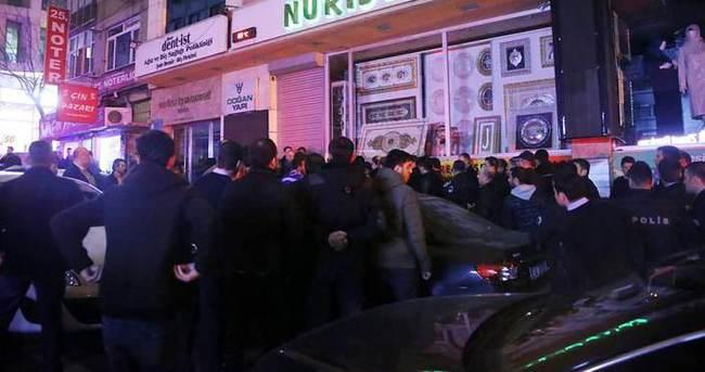 MHP ilçe binasının önünde arbede
