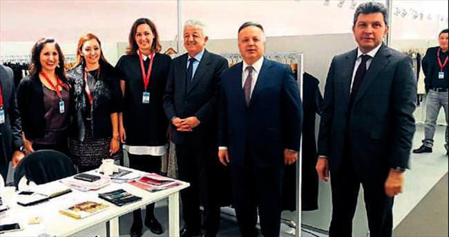 Türk koleksiyonları Fransa'da beğenildi