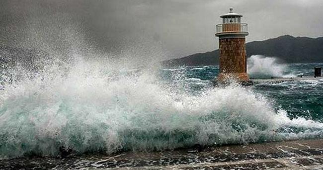 Ege Denizi ve Akdeniz'de fırtına uyarısı