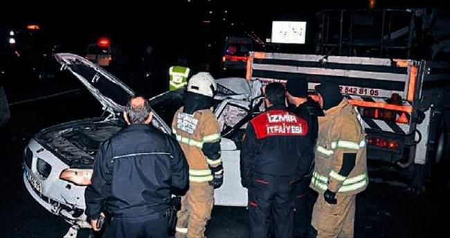 Otomobil park halindeki vince çarptı: 2 kişi öldü