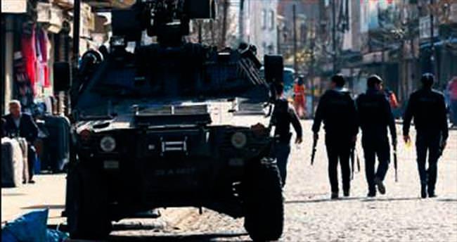 Üç ilçede 14 terörist öldürüldü