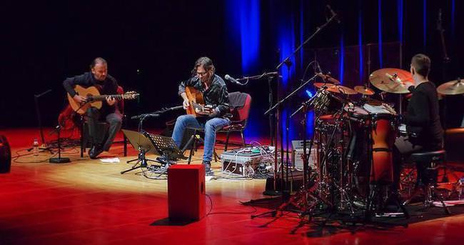 Al Di Meola İstanbul'da konser verdi