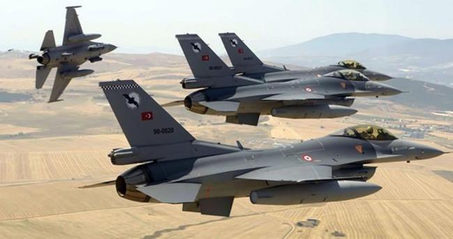 Suriye sınırında 8 F-16'dan devriye uçuşu