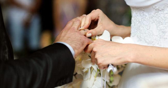 Evlenecek gençlere 'evlilik öncesi' eğitimi