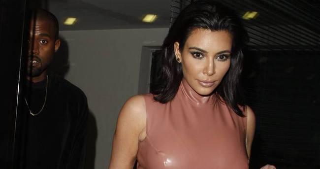 Kim Kardashian oğlunun fotoğrafını ilk kez paylaştı