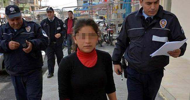 Çıplak ayakla 10 kilometre yürüyüp polise sığındı