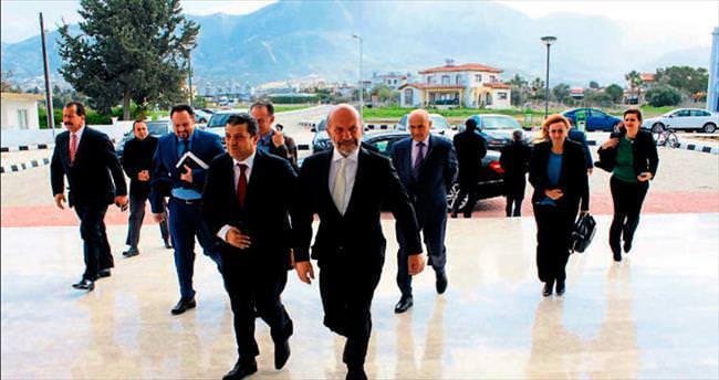 Bakan Kemal Dürüst Girne Üniversitesi'nde