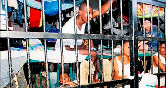 Hapishanelerde yer kalmadı 8 bin mahkûm tahliye edildi