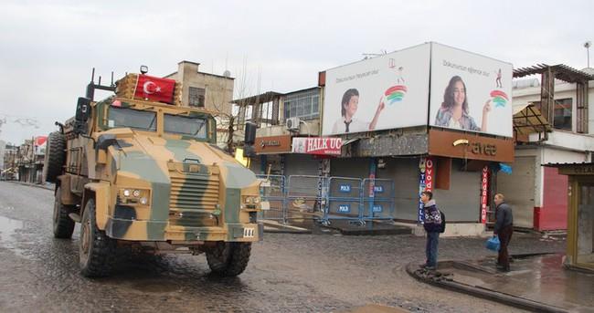 Sur'da bir güvenlik görevlisi yaralandı!