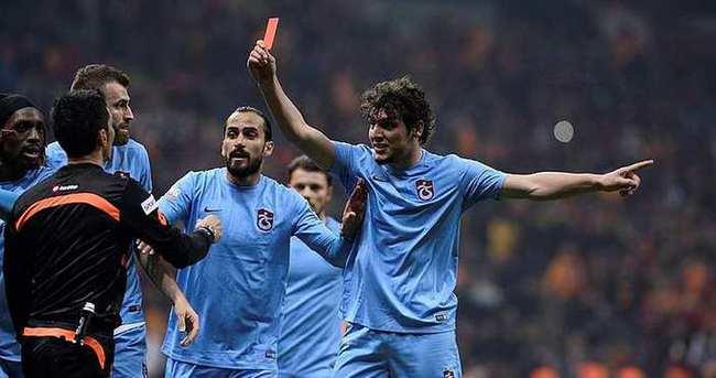 Trabzonspor'dan taraftarlarına kırmızı kart çağrısı