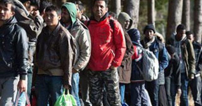 Almanya'dan ayrılan sığınmacılara 700 euro teşvik primi