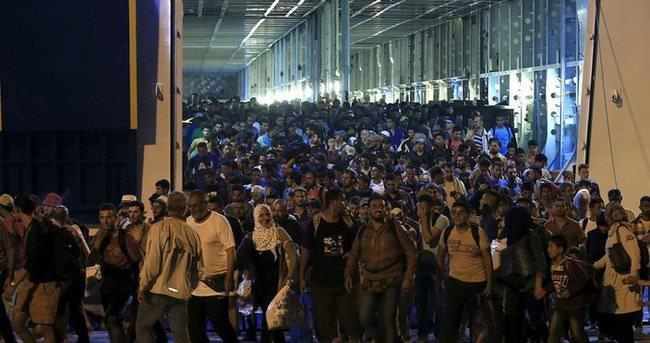 Binlerce sığınmacı Yunanistan'da mahsur