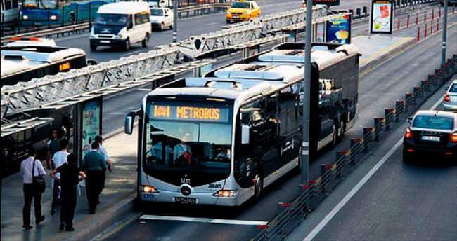 Panik butonlu metrobüsler yollarda