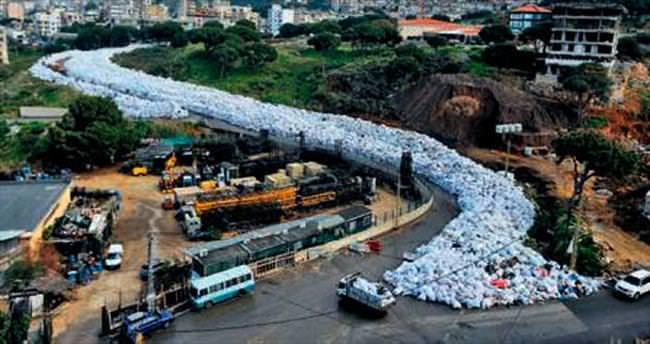 Beyrut çöplerinden yine kurtulamadı