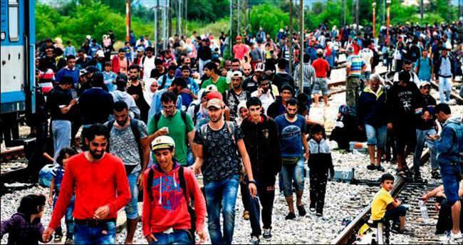 Yunanistan göçmen kriziyle kaynıyor