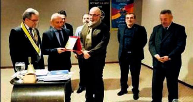 Mehmet Uzel'e gazetecilik ödülü
