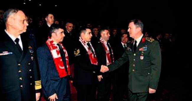 TSK, şehitler için karargâhta tören düzenledi