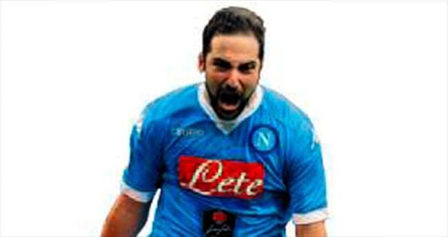 Gonzalo Higuain yenilemeyecek!