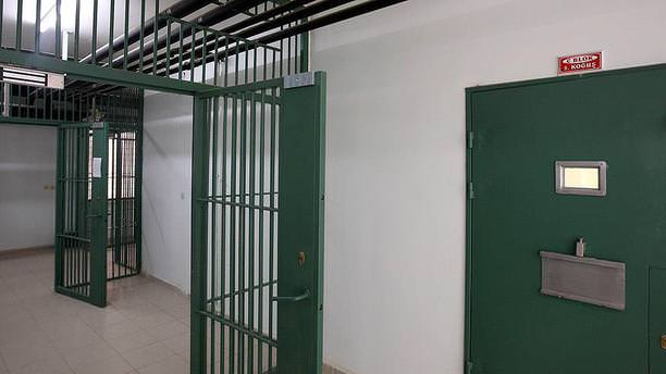'Seri katil' kendi isteğiyle cezaevine döndü