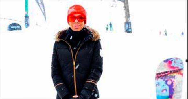 Elitler, Kartalkaya'da kayak keyfi yaptı