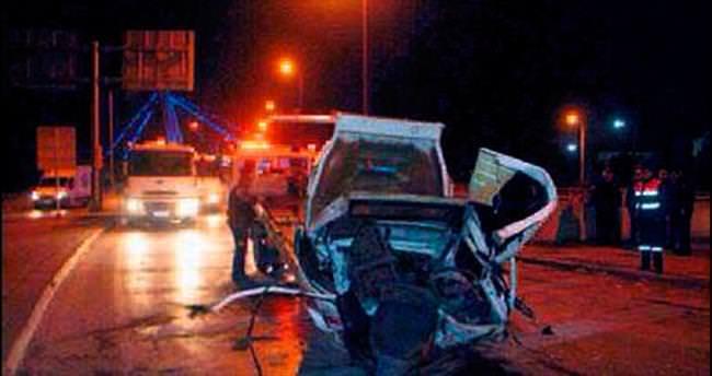 Takla atan araçtan fırladılar: 2 ölü