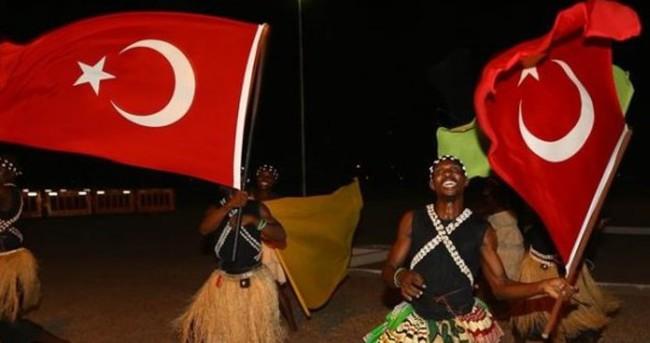 Cumhurbaşkanı Erdoğan'a Gana'da törenli karşılama